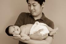 平田栞菜ちゃん、パパに抱かれて。