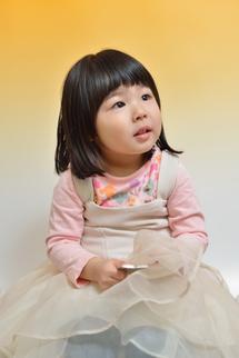 すみれちゃん、おうち、オレンジバック