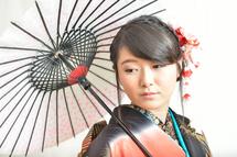 鈴木水彩さん成人傘
