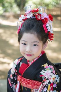 銚子林姉髪飾り縦位置