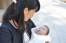 安野さんお宮参りママと一緒